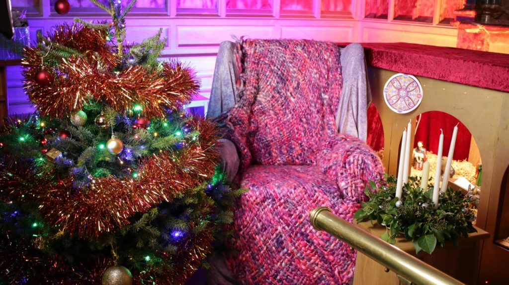 Advent readers sofa